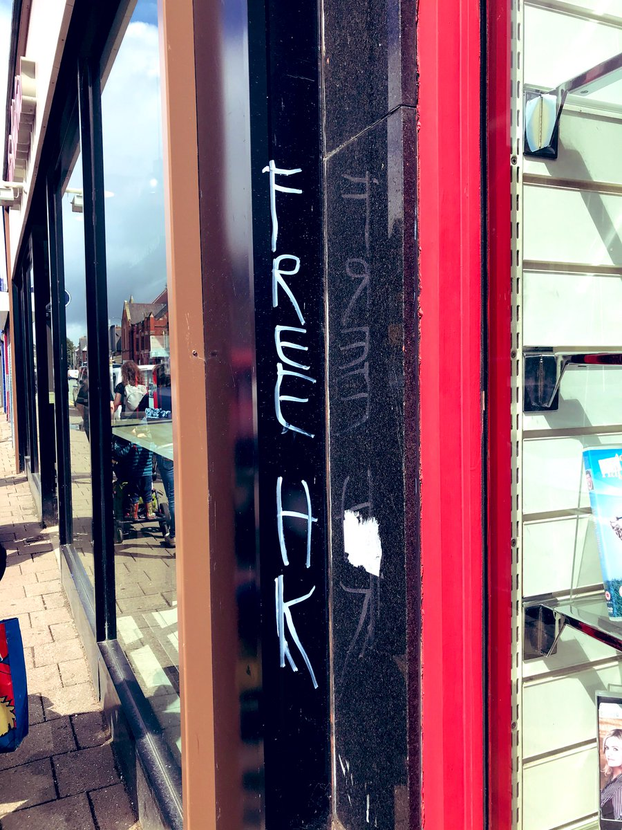 Spotted this on Albany Rd #Cardiff today... thinking of you @Leona_HK & everyone in Hong Kong #FreeHK <br>http://pic.twitter.com/EK81XxNyPv