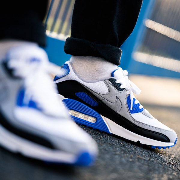 "Ad: Remaining sizes of the Nike Air Max 90 'Hyper Royal' now ONLY £70!  Code ""KONG30"" here => https://t.co/UOlzkxTqMy  UK6/7/8/11 (RRP£115) https://t.co/9bFerHFhwu"