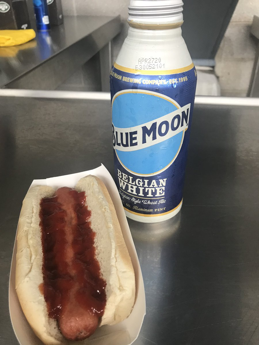 @seanagnew but ketchup on hot dogs is good