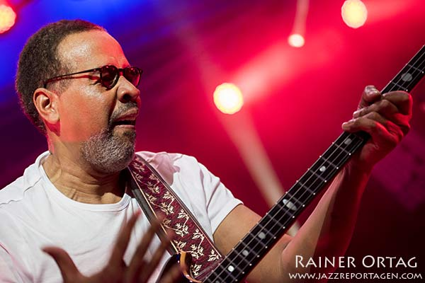 Happy birthday to the great Stanley Clarke!