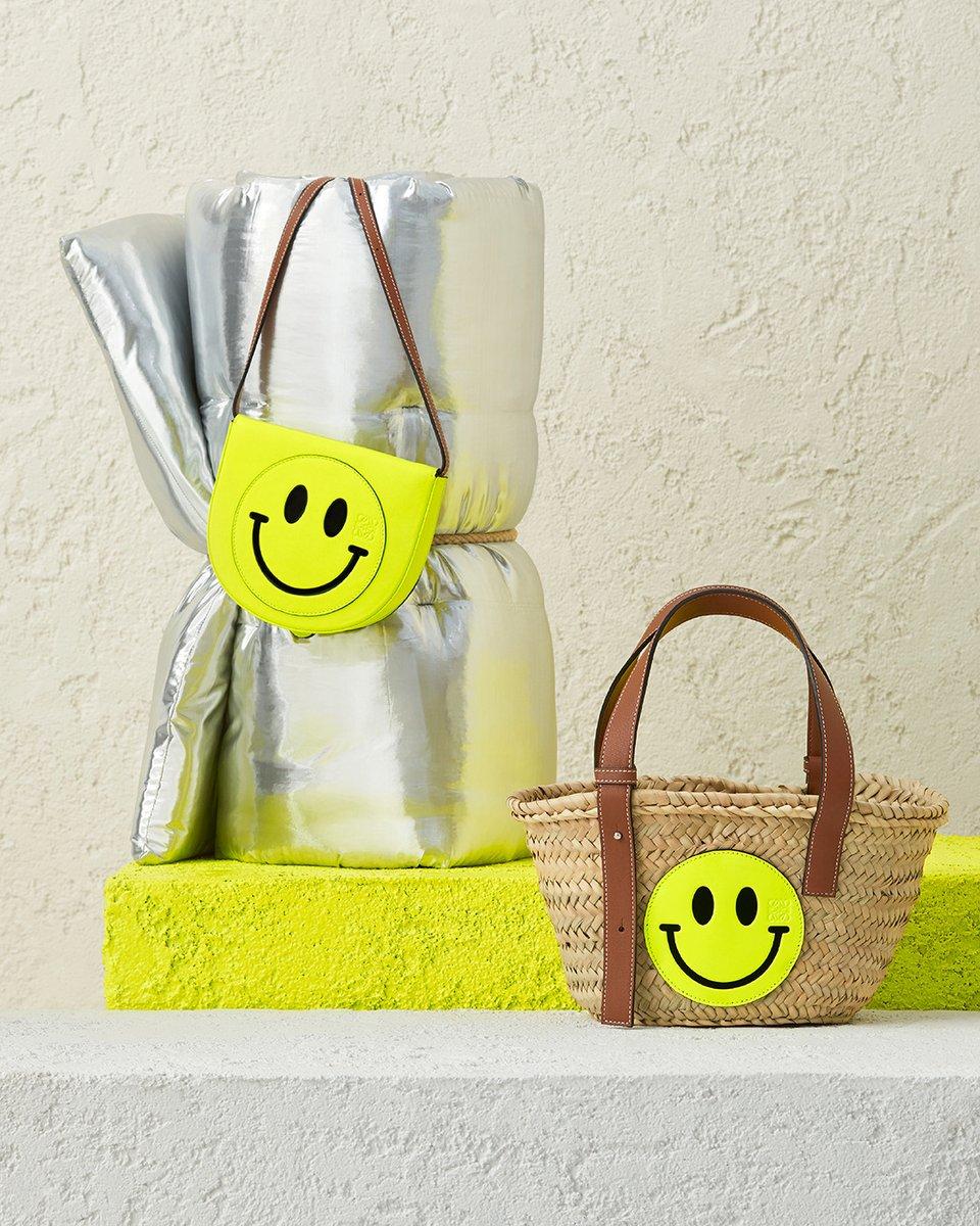LOEWE Paula´s Ibiza 2020 accessories featuring Smiley®. Available exclusively on loewe.cm/Smiley #LOEWE #LOEWEpaulas