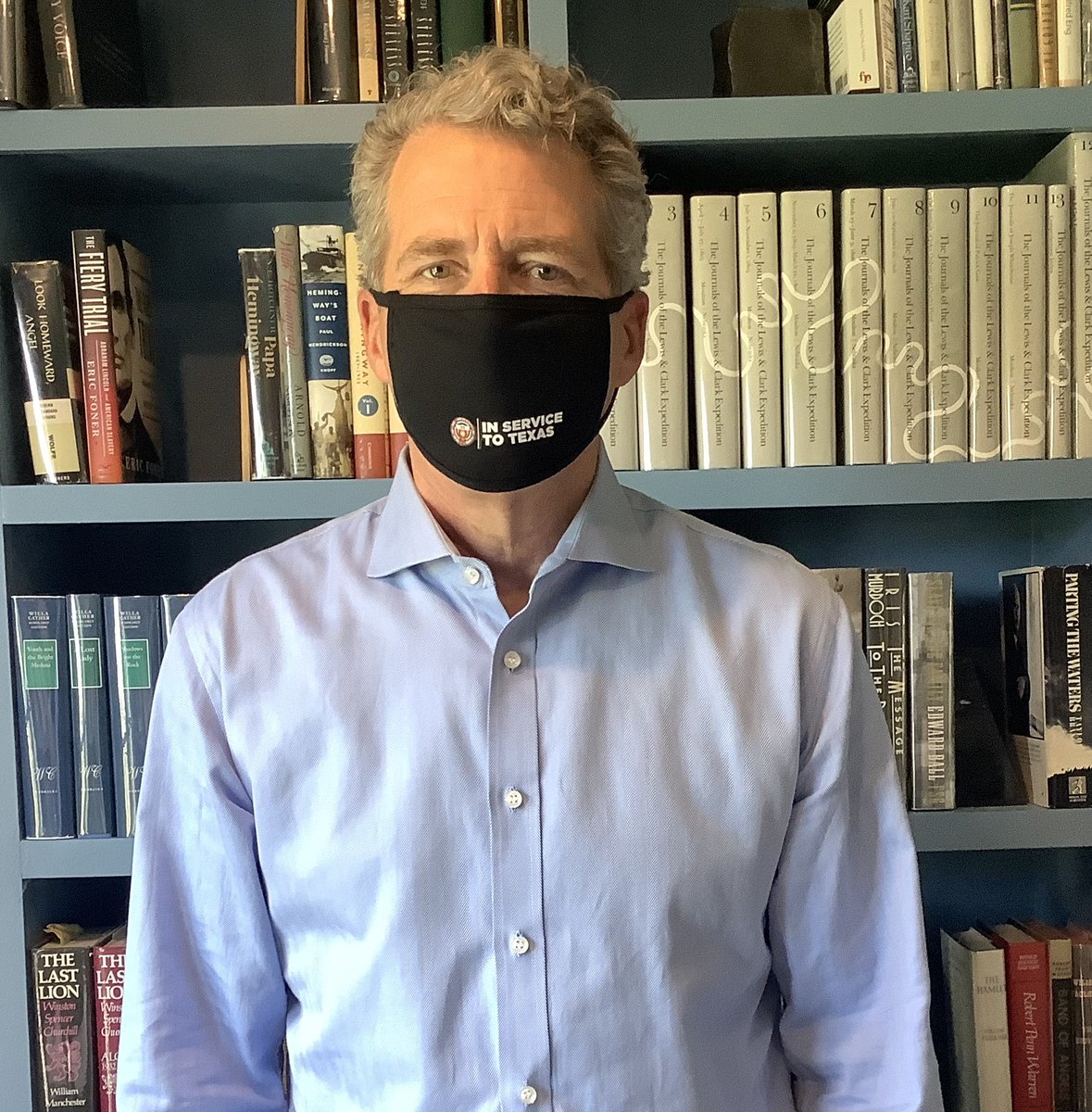 I'm smiling at @TeddLMitchell underneath.Everyone in Texas needs to mask up, including our students, faculty and staff.  #FaceMasks4HigherEd  Let's see @UHpres @chancellorroe Brian McCall @TXStateUnivSyst and my favorite Aggie!  @tamusystem https://t.co/7LeKrzVH0n
