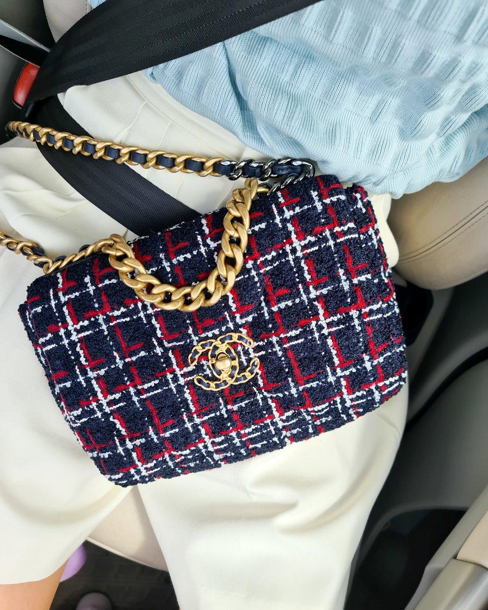 Chanel19 seasonใหม่ น่ารักมากก #handbagChanel19