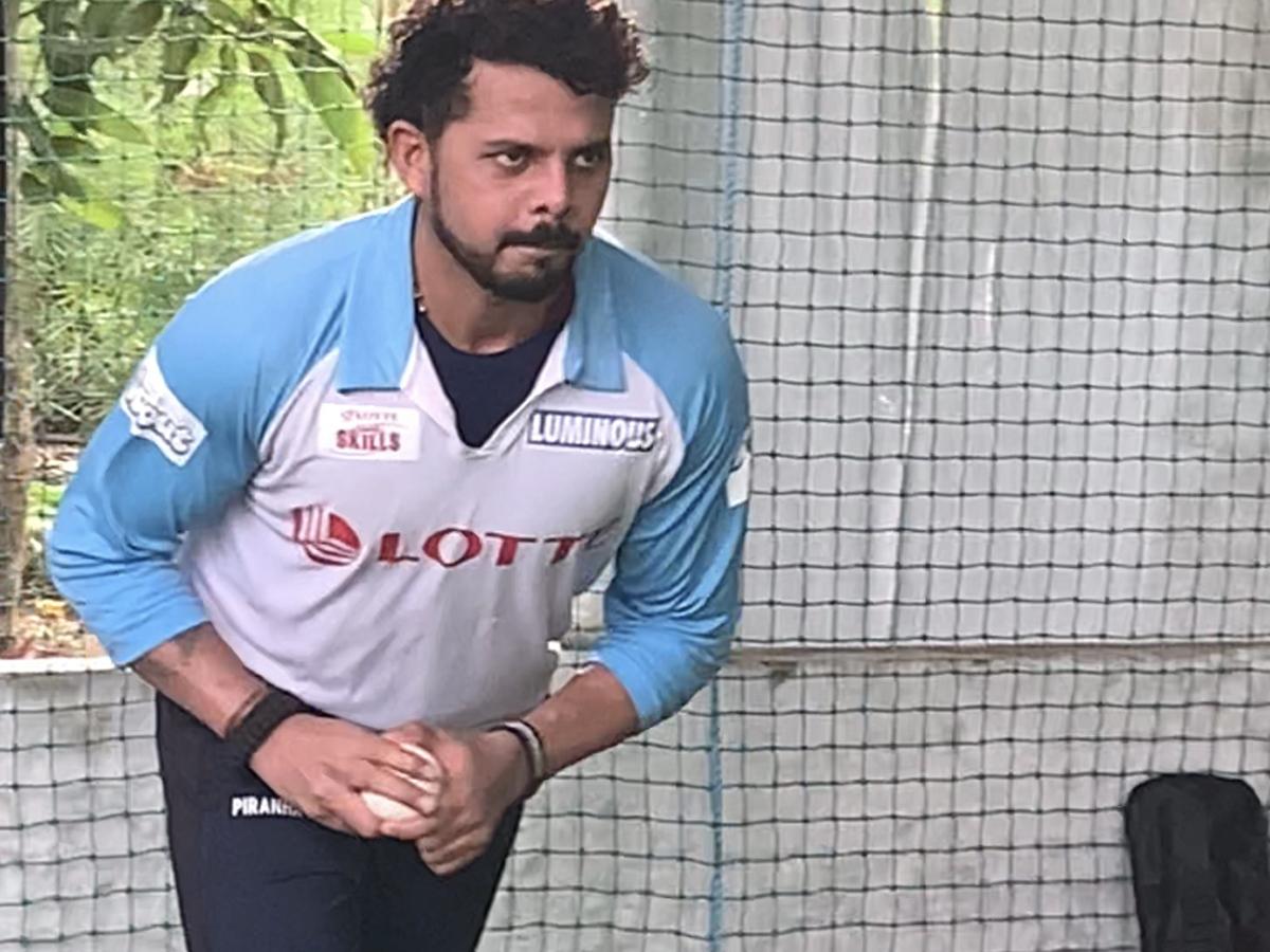 #IPL #MSDhoni #Sreesanth #RanjiTrophy  Would love to play under @msdhoni bhai in @IPL: @sreesanth36   READ▶️https://t.co/DmzwEk8rzL https://t.co/e2Yf9WHmvp