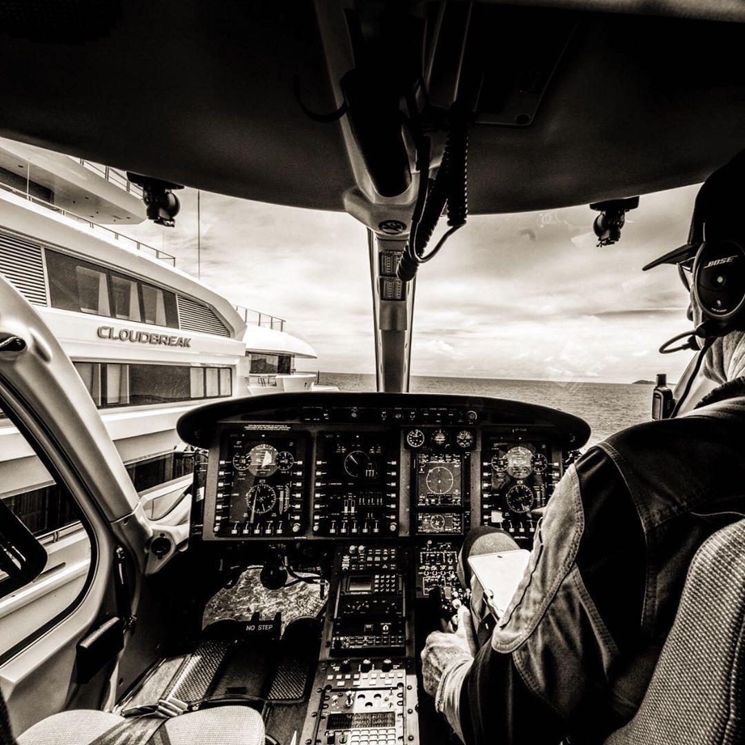 """VFR Request – Flight Following""  : @yachtieworld #YachtieWorld  : @motoryachtcloudbreak : @guillaume_plisson . https://www.yachtiepages.com/ . . #bosslife #yachtowner #likeboss #helicopterpilot # #bell429 #bellhelicopter #helicopter #yachtlife #superyacht  #pilots #cloudbreakpic.twitter.com/6XLy6BHMHx"