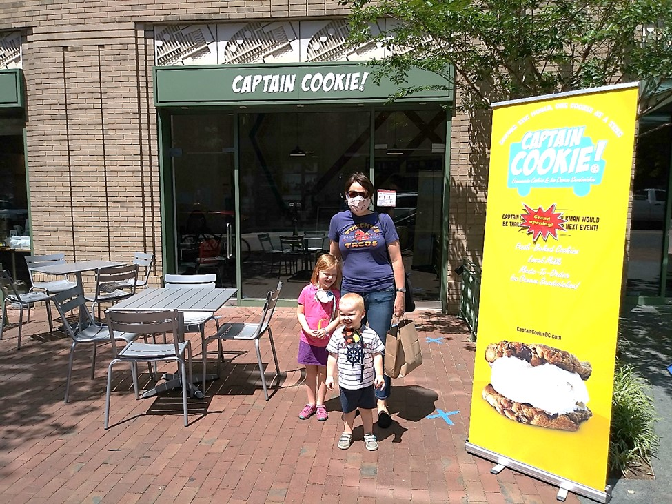 @captaincookiedc has opened on @EasternMarketMS and it's already a hit with kids and adults! Chocolate milkshake with peanut butter cookie crumble? Yes, please! @SmallBizDC https://t.co/VcQNpFFA4u