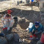 Image for the Tweet beginning: Via @FactsAndTrends | Archaeologists Discover