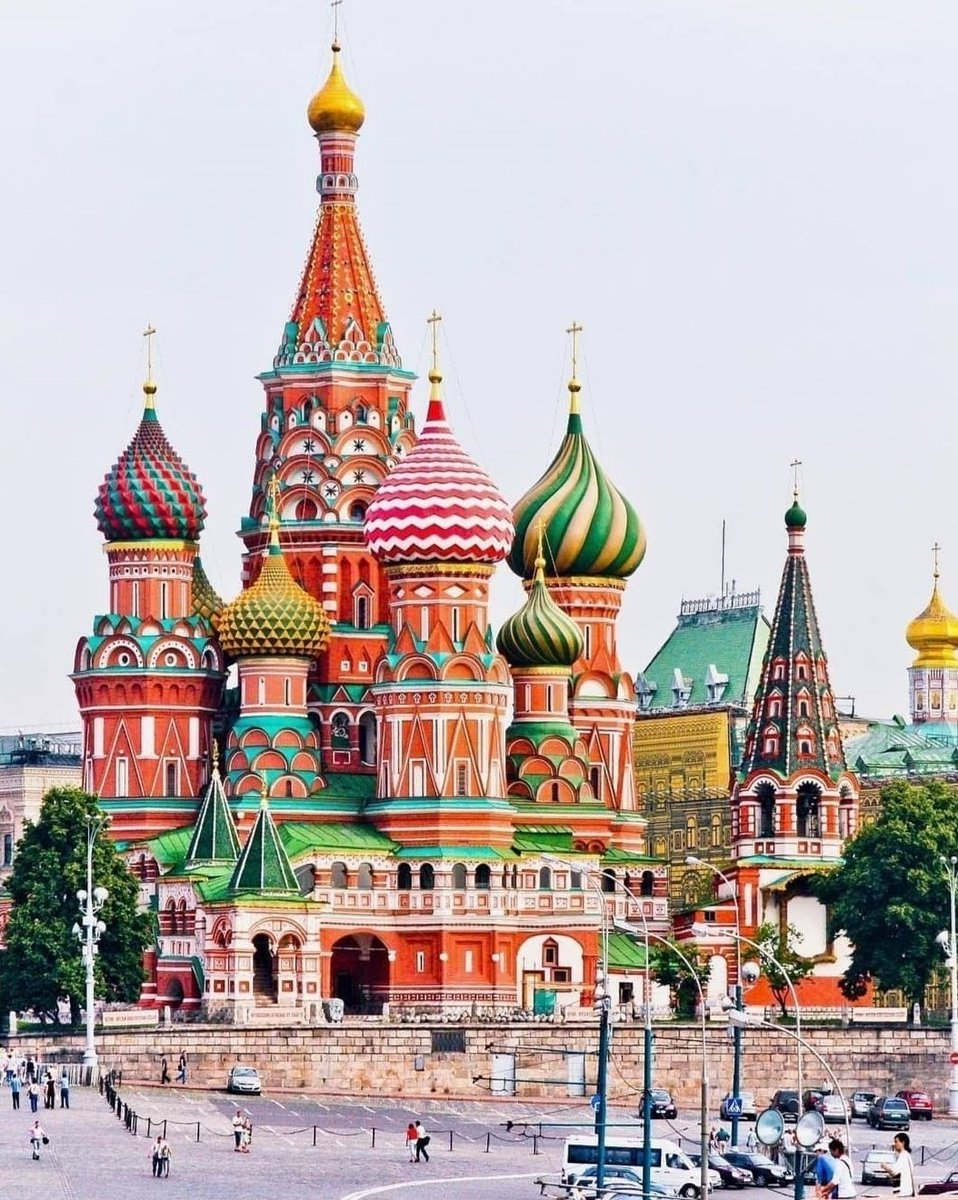I like this beautiful colors of #Moscow( bestcitiesofeurope) pic.twitter.com/d3ZxWLVxo6