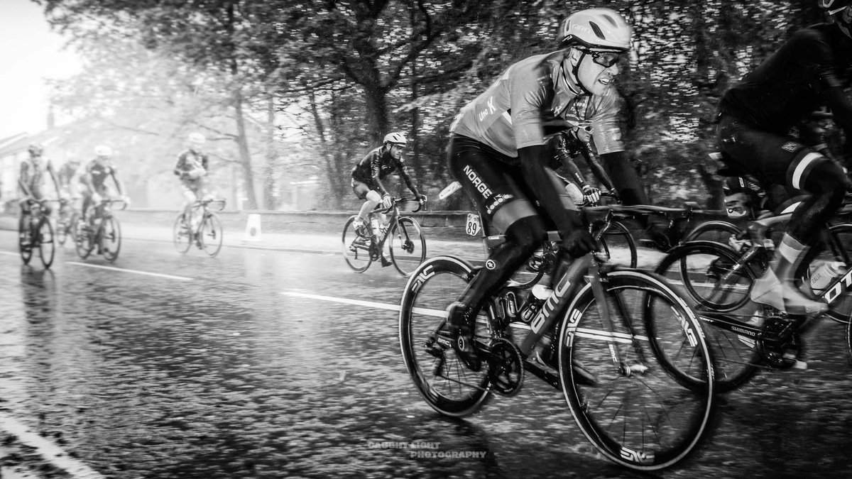 #Cycling #Sport #Photography #ProPhotography #SportsPhotography #SportsPhotographer #PhotoJournalist #Project #Stadia #Ireland #Weather #Rain #Downpour #UCI #WorldChampionship #Racingpic.twitter.com/EJOKLnEaAH