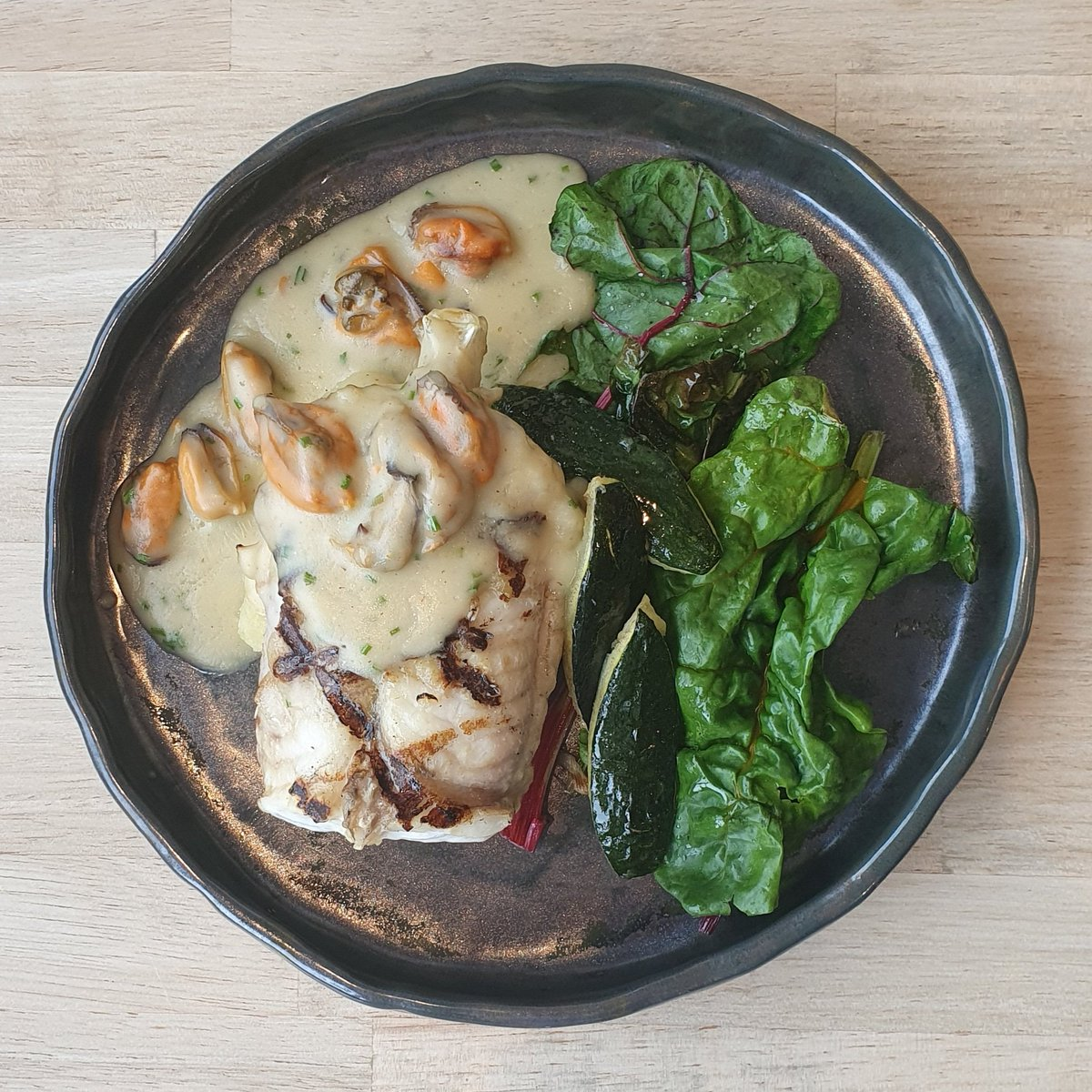 Roast monkfish on the bone, courgette,  rainbow chard, valor potatoes,  Kelly's mussel & elderflower sauce #mains #eatin #takeaway #fish #openatlast #woodruffstepaside #woodruffathome #shoplocal https://t.co/AywVGWzln6