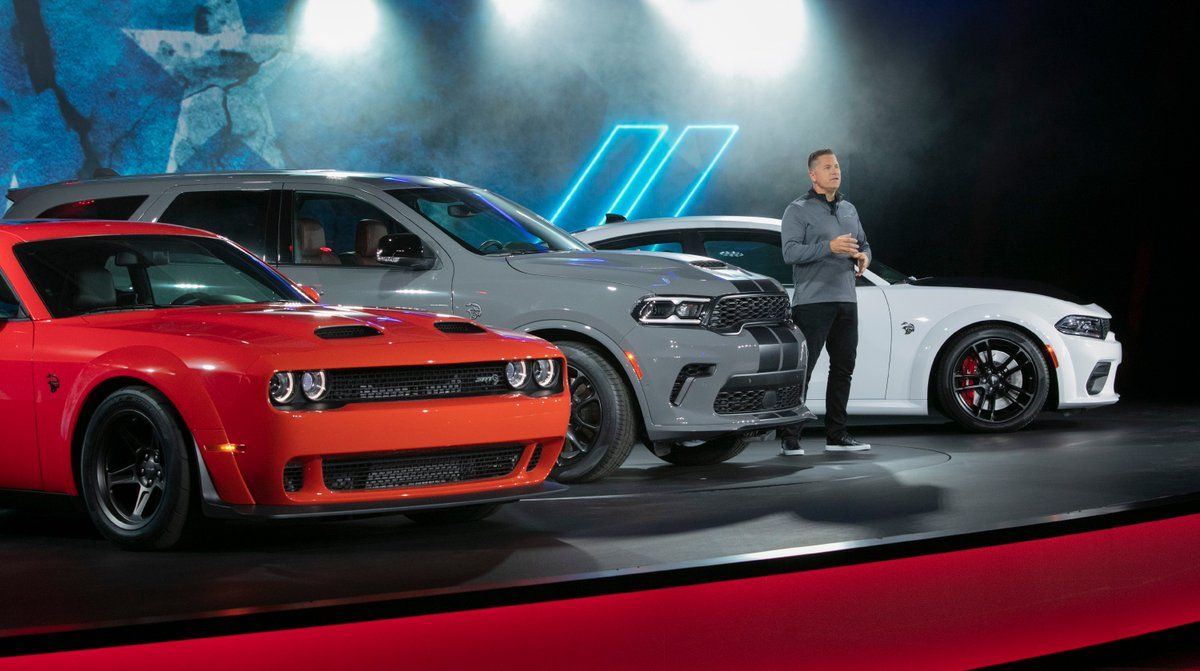 Tim Kuniskis, Global Head of Alfa Romeo and Head of Passenger Cars – Dodge, SRT, Chrysler and FIAT, FCA – North America, introduces the 807-horsepower @Dodge #Challenger #SRT Super Stock, 710-horsepower #Durango SRT #Hellcat and 797-horsepower #Charger SRT Hellcat #Redeye. https://t.co/HM5qzDIwg7