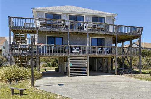 Gather the family and plan a Fall vacation at Cutty Sark!  Gorgeous ocean views, easy beach access, and much much more!   https://www.atlanticrealty-nc.com/outer-banks/cutty-sark …  #petsallowed #sunrises #beach #ocean #view #familyvacation #fall2020 #obxrentals #visitnc #ducknc #vacation #getaway #staycationpic.twitter.com/wLJjlTf6L9