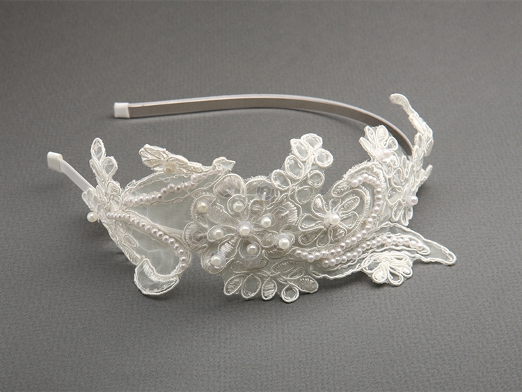 Our vintage accessory of the day is a beautifully hand-crafted headband that features heirloom ivory lace! #throwbackthursday   https://www.registrybridges.com/store/p1847/Vintage_Ivory_Lace_Headband_with_Pearls_%26_Sequins.html#/ …  #vintagebridal #bridalhair #vintage #bride #vintagebride #bridetobe #bridal #brides #vintagestylepic.twitter.com/lxh1vXgpqg