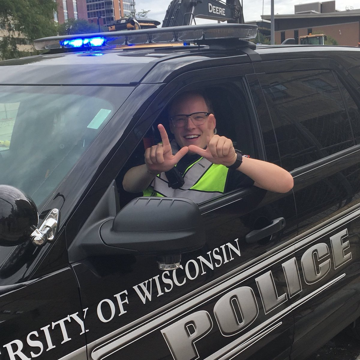 UWPD is looking for someone to join our team as a police officer. We are a department driven by community policing -- focusing on safety, well-being, and ensuring we make a positive impact on all members of our community. More info and apply online: jobs.hr.wisc.edu/en-us/job/5050…