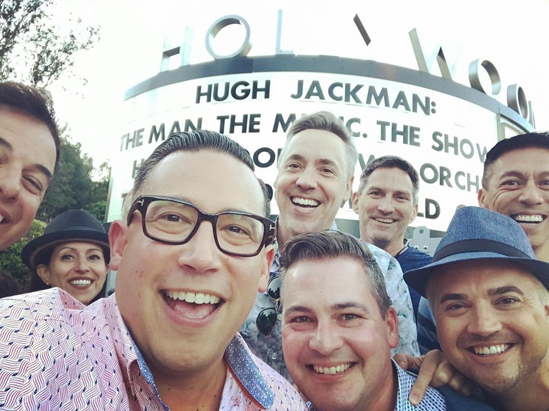 The gang's all here! 😄 When you're going to see the Greatest Showman, you have to bring the entire crew. #MarqueeMondays  #repost 📸: jayzenpatria (IG) https://t.co/r8f6uPyYUU