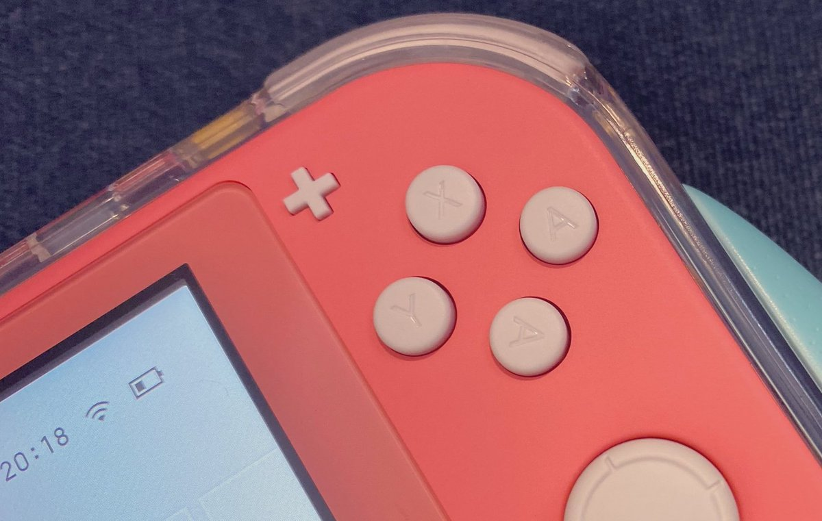 Manufacturing mix-up leads to Switch Lite with two A buttons  https:// gonintendo.com/stories/364291 -manufacturing-mix-up-leads-to-switch-lite-with-two-a-buttons  … <br>http://pic.twitter.com/3w7VgQwFKC