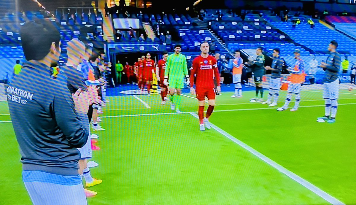 "I love the ""Guard of Honor"" tradition. If team clenches league title with remaining games to play, team enters field through corridor of opposing team applauding in respect...even away games. Hurts so good. #MCILIV https://t.co/NiHBQQNeix"