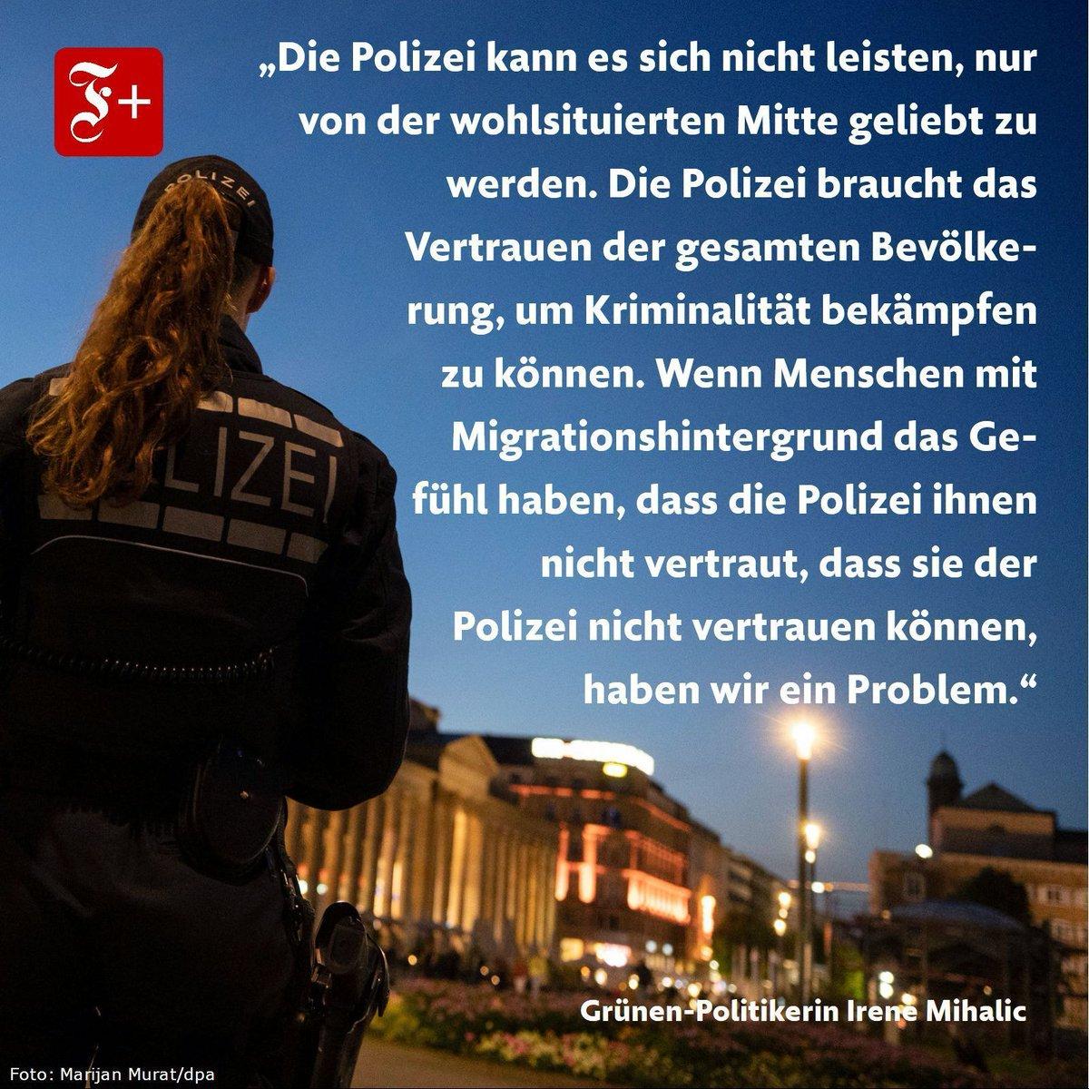 Früher fuhr die Bundestagsabgeordnete @IreneMihalic selbst Streife. Ihre Partei @GrueneBundestag habe inzwischen Vertrauen in die Polizei gefasst. buff.ly/3glolfj