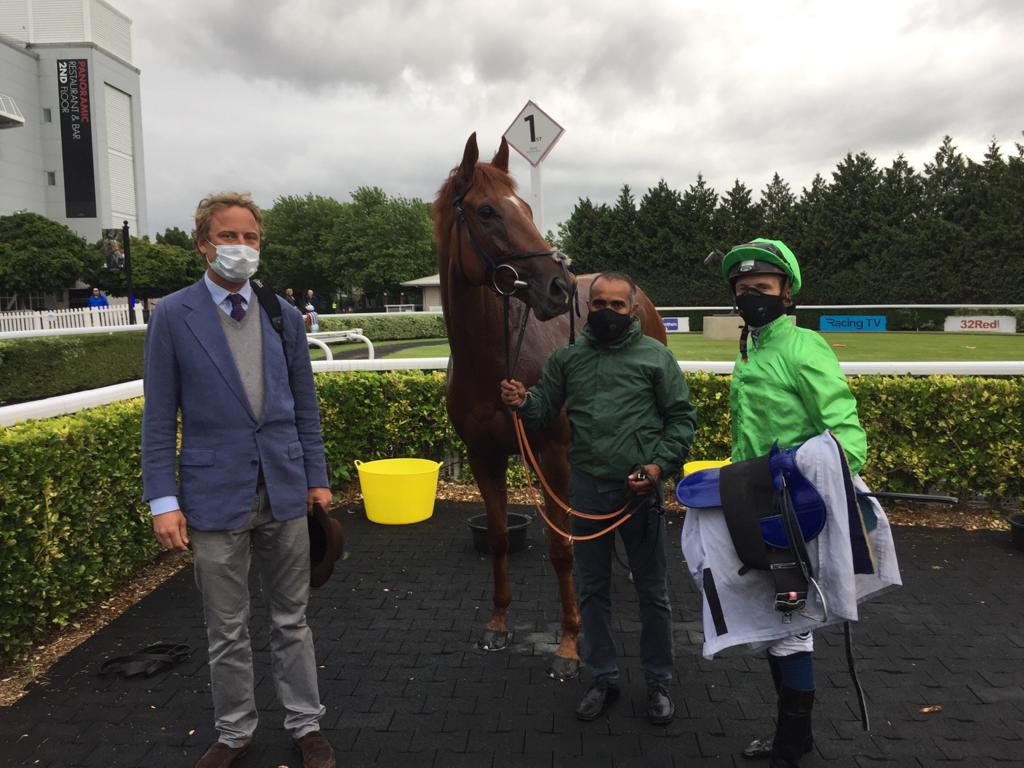 River Dawns win @kemptonparkrace yesterday provided the second leg of @whatcomberacings double for Paul & Oliver Cole & jockey @davidprobert9. Well done & thanks to all the team. Joint trainer Oliver, David Probert & groom Madan pose with River Dawn in the winners enclosure.
