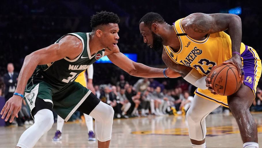 Story: As coronavirus rises & asterisk talk swirls, the Lakers, Bucks & Clippers seek to refocus on disrupted NBA title chase @PostSports https://t.co/jKZWoSktLU https://t.co/CrVuAVUhNH