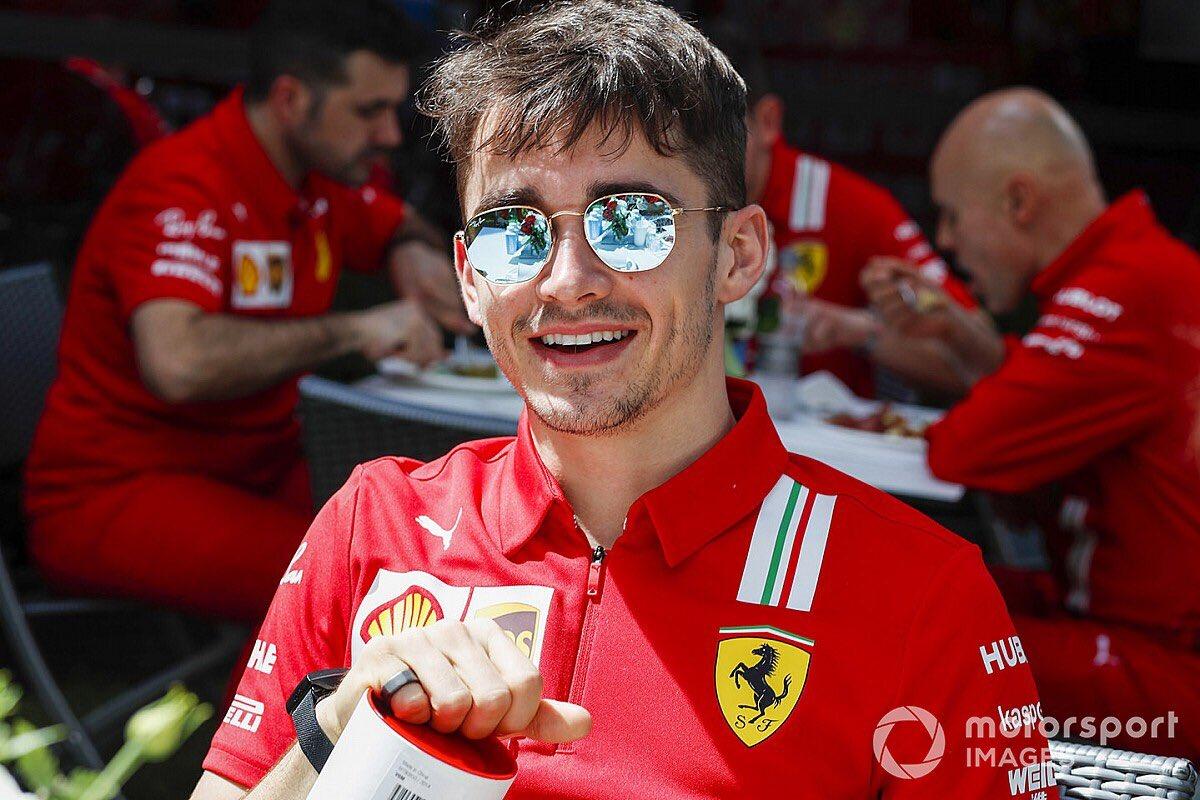 Demain c'est le retour de la F1 et de notre pilote @Charles_Leclerc ❤️  Alors soyez là demain pour le soutenir pour les #FP1 et #FP2 🚨  #Formule1 #F1 #Formula1 #AustrianGP #Ferrari #Charles16 #Leclerc #CL16 #Charles16 https://t.co/sMJnbLlZsI