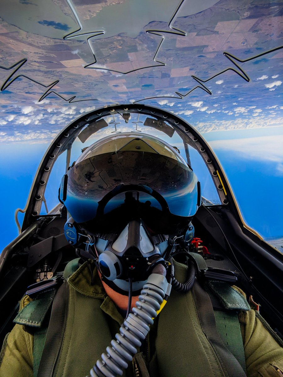 Happy #FighterFriday!   Nothing signifies a return to training more than aerobatics!Check out this photo of Captain Robert Ofstie, an instructor on the CT-155 Hawk taken during a training mission in June near Moose Jaw, Saskatchewan.  #RCAF https://t.co/fbe59mvjeP