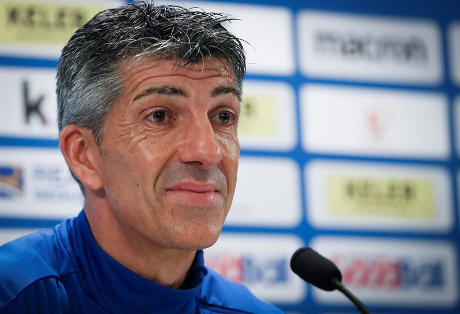 """🔵⚪️ Imanol Alguacil, entrenador de la @RealSociedad, en rueda de prensa  🎉 """"Para que os hagáis una idea de lo que estaba sufriendo este grupo, casi lo hemos celebrado tanto como el pase a la final de la #CopaDelRey""""  🤔 """"Era injusto que este equipo solo llevara un punto"""" https://t.co/M49nc7kBGY"""