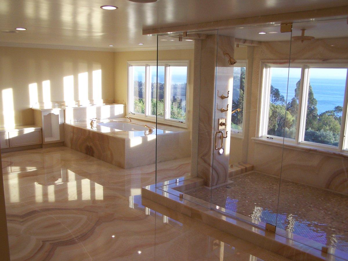 Your #Luxury Shower  pic.twitter.com/ke5QX0IppR