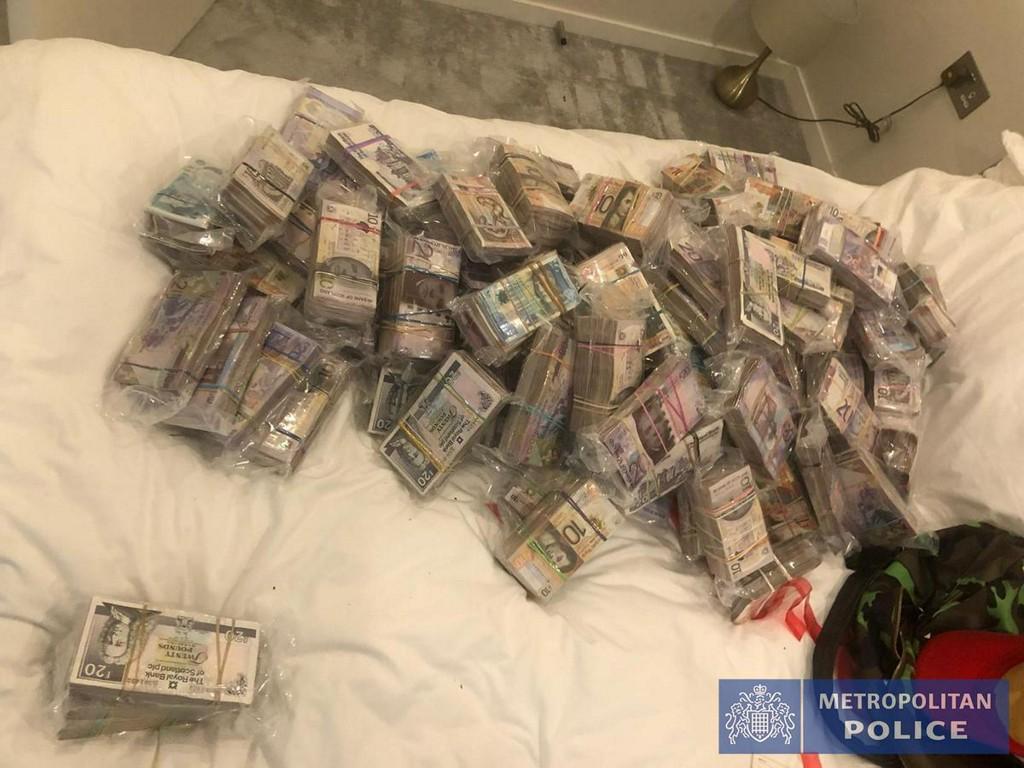 UK police arrest 'iconic' criminals in biggest ever operation after encryption breakthrough https://t.co/0BrCqOkCz9 https://t.co/XDC5WibRFi
