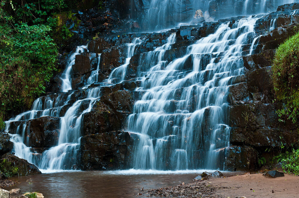 Kagera waterfall.  Located to the south of Rutana, Burundi  Thefallsoccupy over 142 hectares <br>http://pic.twitter.com/Uhiu9LcLDw