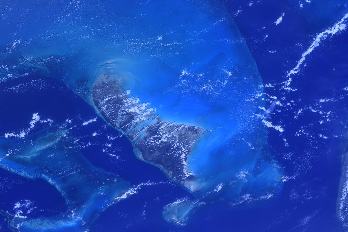 The Bahamas, absolutely one of the most beautiful sights on Earth from space. https://t.co/z9cLMRFNMB