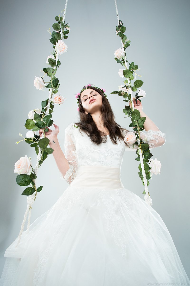 New for 2020, our rope swing!  http://www.splashpointphoto.co.uk #Model Rebecca Stephenson  #photographyislife #photographyeveryday #photographyeveryday #PhotographyRedefined #PhotographyPro #PhotographyIsArt #photography  #portrait #portraiture #wedding #bridaloutfit #Bridalpic.twitter.com/1nQ19K9ZU4