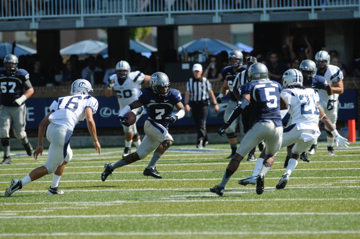 Odu Football On Twitter Nick Mayers With The First Of Two Touchdowns A 57 Yarder From Taylor Heinicke To Cut The Nh Lead To 16 10 Espnradio941 Odufb Https T Co 1cw3garnu9