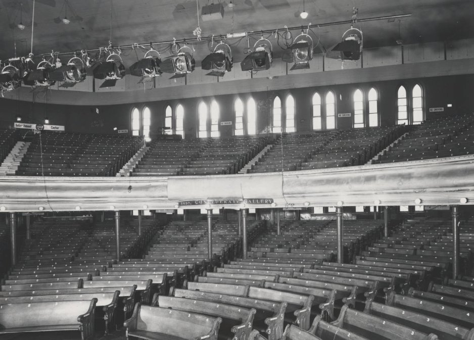 These pews have seen it all. 💒   #ThrowbackThursday presented by our friends at @TruistNews. https://t.co/CHf63apoXx