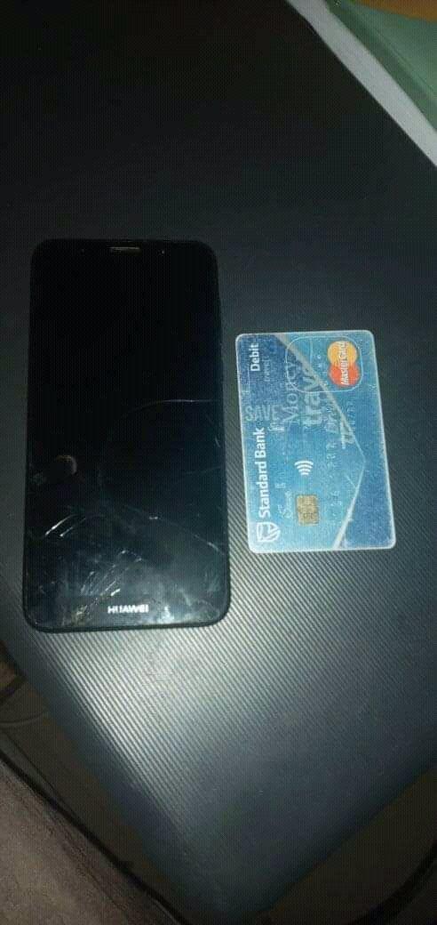 @HuaweiZA @StandardBankZA loyal customers Guys @StandardBankZA my card can prove it lol @HuaweiZA @StandardBankZA something small for loyal customer guys ? Lol