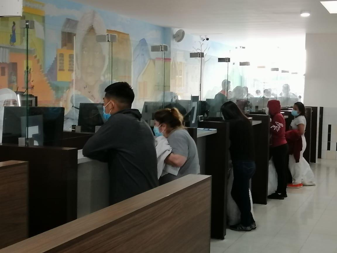 test Twitter Media - El Instituto Guatemalteco de Migración informa que hoy ingresó un vuelo de retornados con 62 personas mayores de edad (46 masculinos y 16 femeninos), procedente de Alexandría, Lousiana.Fotos: IGM https://t.co/8dmXwMYc6l