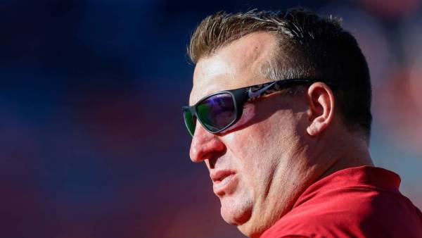 Breaking: New developments in Bret Bielemas federal lawsuit against the Arkansas Razorback Foundation focus on the role played by Bill Belichick and the New England Patriots. Details on @Sportico: sportico.com/2020/law/news/…