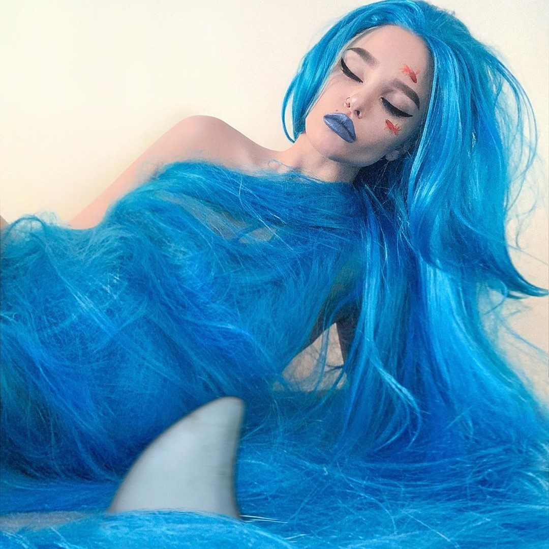Very creative photos thank you for wig model: @paveletskaya Search ID: yc21174  https://www.anibiu.com/products/league-of-legends-jinx-cos-wig-yc21174?_pos=1&_sid=fba731e33&_ss=r…  #anibiu #wig #cosplay #cosplaywig #cos #lolita #curlywig #fashionwig #cool #wigshoppic.twitter.com/rgIimrmLV3