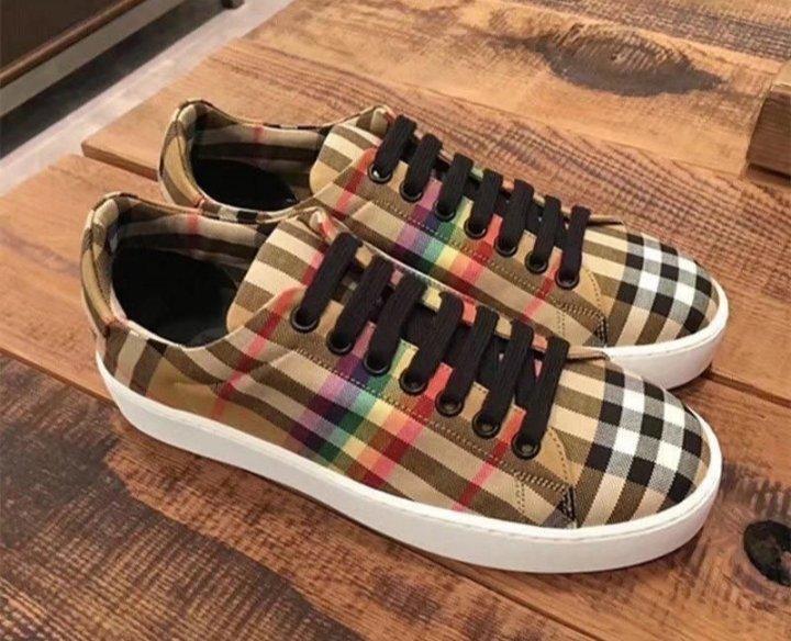 REAL CLASSIC . #SneakerHead #SneakerCommunity #Fashion #SneakerLife #SneakerCon #Passion #SneakerGang #Sneakerchase-YES SIR!!!pic.twitter.com/Ll6AeWiC01