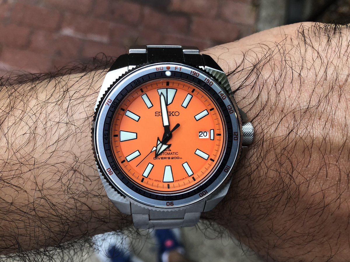 Call and Answer with the the #Seiko Samurai modded with a #Doxa-style decompression bezel   #SeikoSamurai #SRPC07 #OrangeSamurai #SeikoDoxa #SoXa #SeikoSaturday #SeikoProspex @seikowatches @SeikoProspex https://t.co/1wml3wXIeG