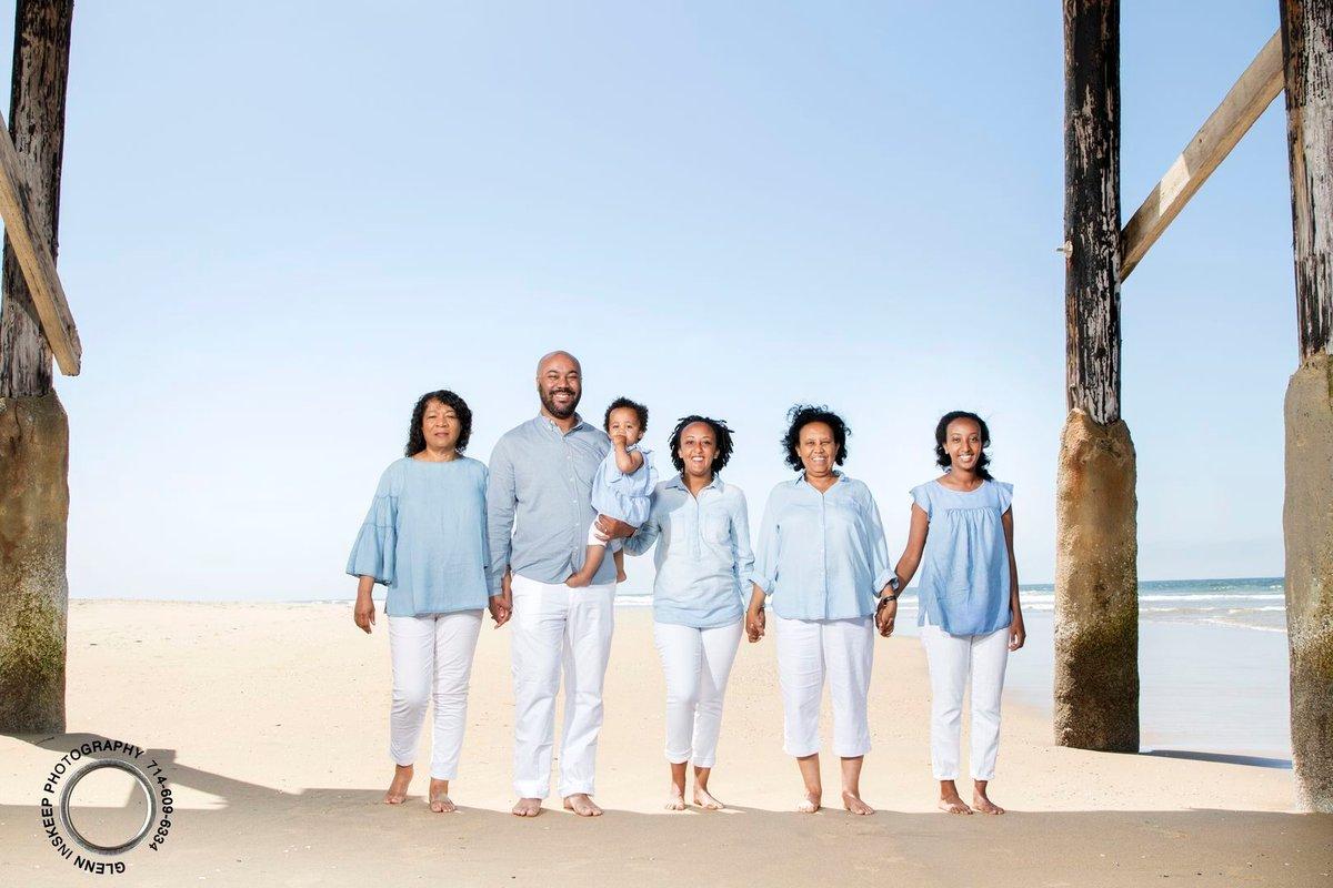 #FamilyPhotography #familyfun #FamilyBusiness #familyvacation #Familylove #familygoals #FamilyF1rst #familytime #familyphoto #Photoshoot #photography #orangecounty #newportbeachphotographer pic.twitter.com/ZNiPzDsAdq