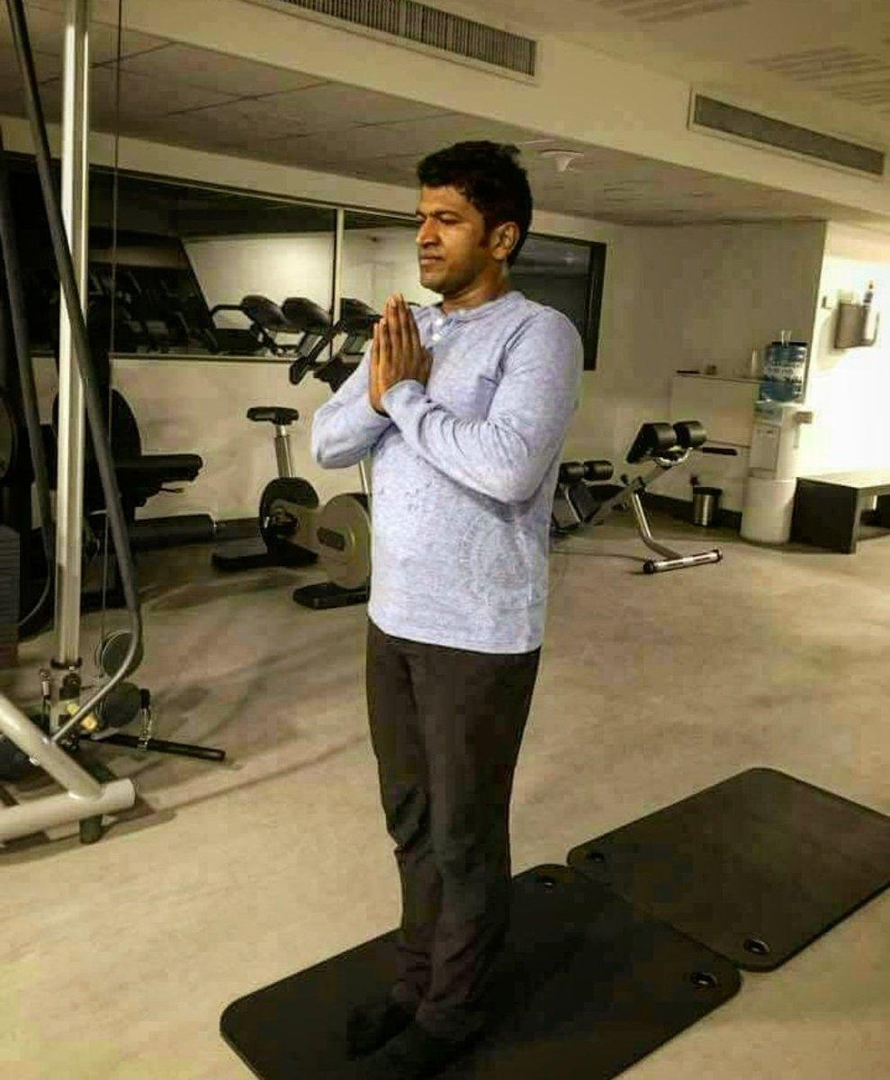 #InternationalYogaDay Appu   Karnataka Ratna  Yuvaratna Natasarvabhouma  Puneeth Rajkumar  Power Star   Dr Rajkumar  ಸಿರಿಗನ್ನಡಂ ಗೆಲ್ಗೆ ಸಿರಿಗನ್ನಡಂ ಬಾಳ್ಗೆ pic.twitter.com/zdjQPPFuDg