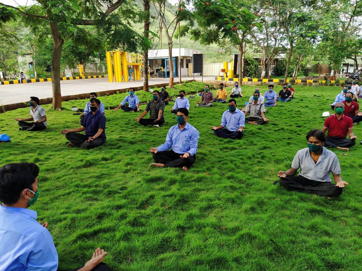 Building strength and harmony this #InternationalDayofYoga at AM/NS India sites. @moayush #MyLifeMyYoga https://t.co/CnwOzRdOTN