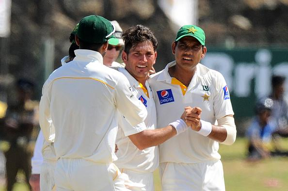 #OnThisDay in 2015, Pakistan won a Test match in Sri Lanka after a nine year wait. Pakistan were 96 for 5 when Asad-Sarfaraz staged a fight back to get 117 run lead. In the 2nd innings Yasir Shah's 7-76 bamboozled 🇱🇰.  🇵🇰 chased the 90 run target without losing a wicket. https://t.co/nAxedbzpce