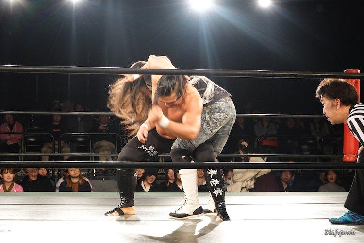 nostalgic photo  #prowrestling #wrestling #luchalibrepic.twitter.com/UBlRac0Nhr  by 愚礼闘夜夛/グレート・ヨタ/great yota