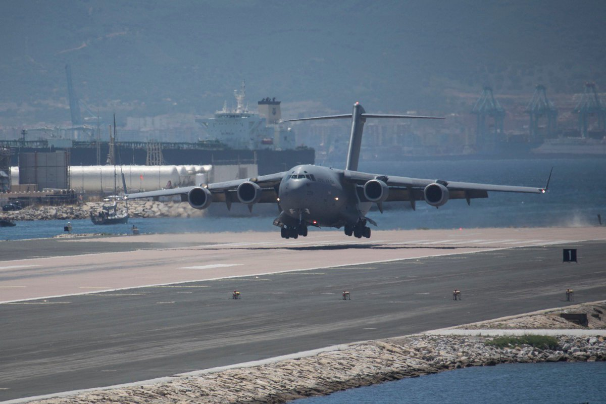 This week saw the return of the mighty C17 to @RAF_Gib. Supporting Operations,it would not have been achievable without @GibraltarGov allowing us to utilise the civil dispersal. Further evidence of the fantastic relationship we have to keep the airfield #OpenForBusiness @99Sqn https://t.co/PVc8u1OSDr