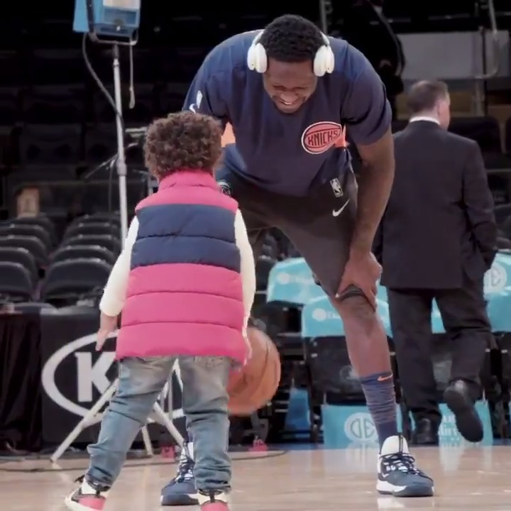 """""""For me being a father is absolutely amazing. The highlight of each day ... is seeing his smiling face. I try to carry myself in a way he would be proud of me and I want him while he's young to experience my life and what I do on an everyday basis.""""  — @J30_RANDLE https://t.co/2EhaEWr0aD"""