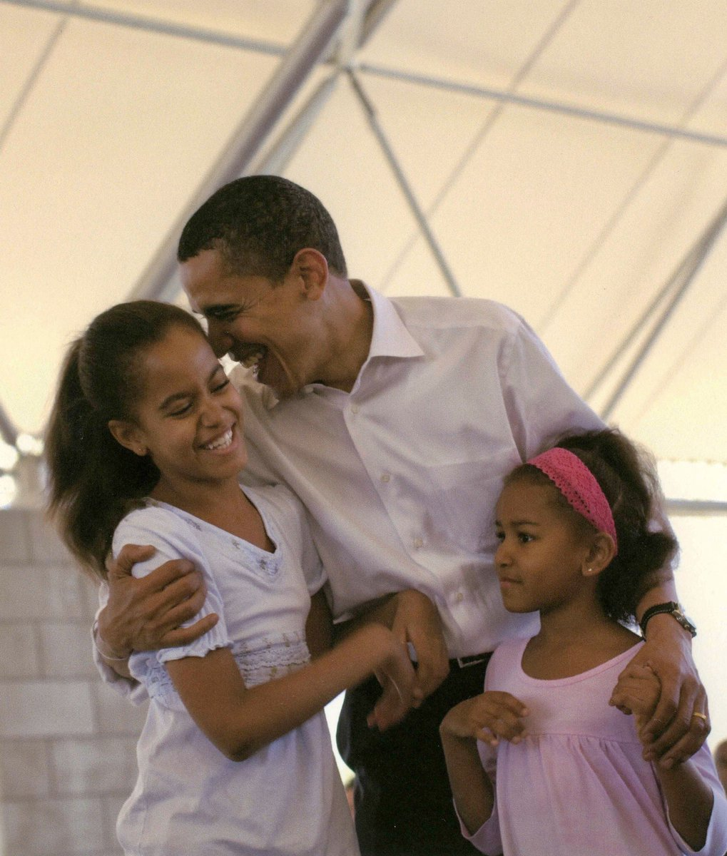 Thank you for the way you love our girls—and all the young people in this country, no matter who they are or where they come from. We feel your warmth and generosity today and everyday. Happy #FathersDay, Barack! ❤️