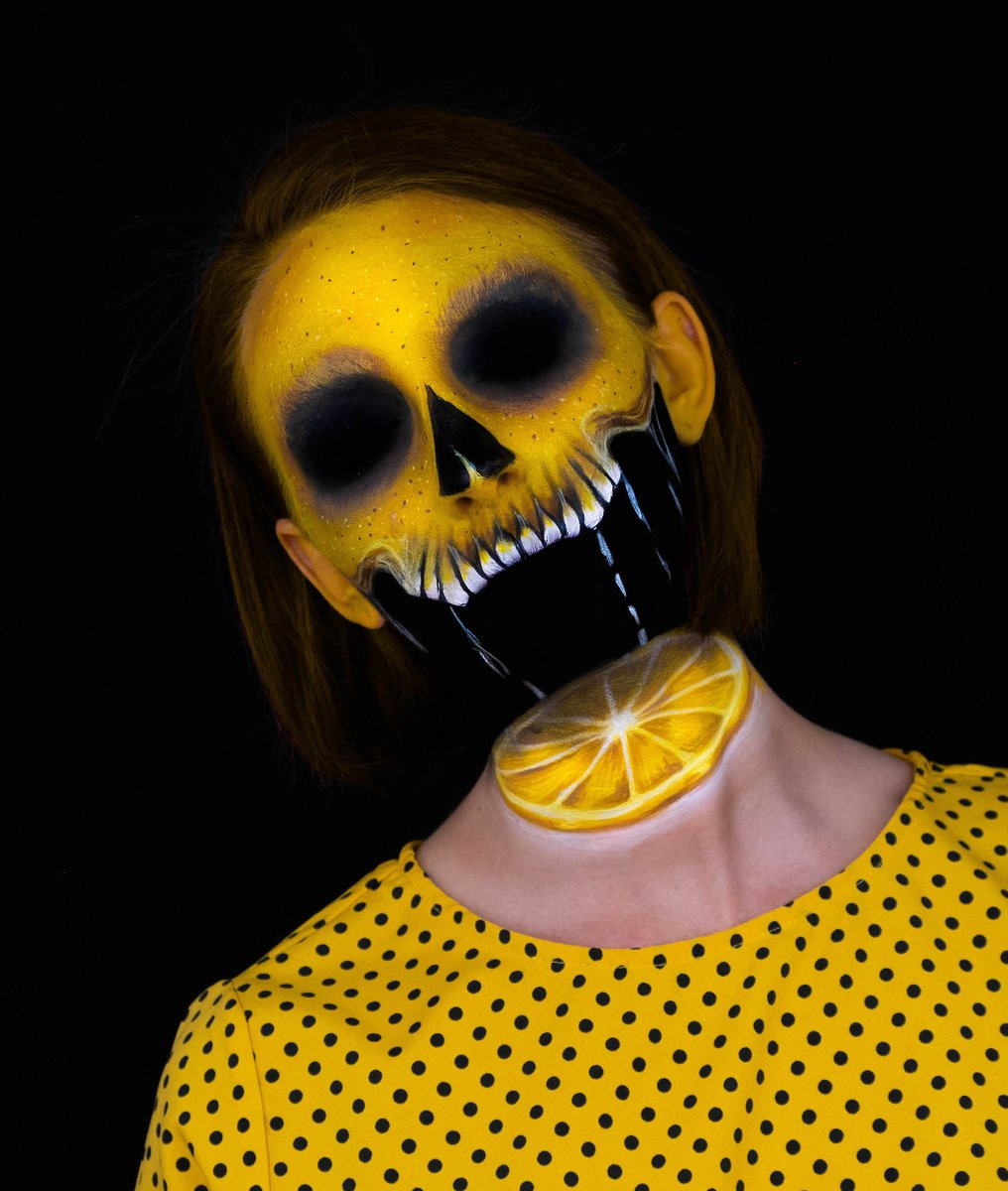 💀🍋Lemon Sliced 🍋💀 by @kristallure.fx using EDGE Face & Body Makeup in Black and Paradise Makeup AQ in Yellow  #mehronmakeup #paradisemakeupaq #mehronedge #facepainting #lemon #skull #skullmakeup #illusionmakeup #creativemakeup https://t.co/qXh3duYj4S