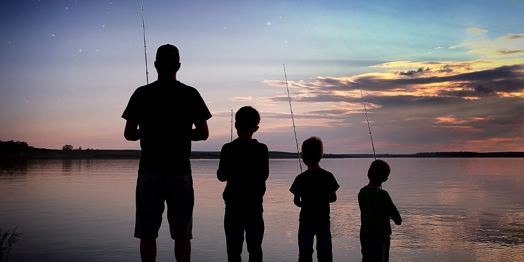"""Happy Father's Day to all the dads out there! We hope your day is as legendary as you are. 😎 #BeNDLegendary  https://t.co/svMyk8KP4K  📷: Katy Vetter titled """"Father Son Fishing"""" https://t.co/P8rTKMWPfj"""